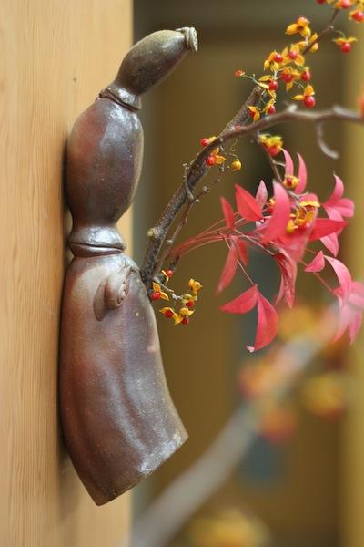 蓮とカタツムリの花器