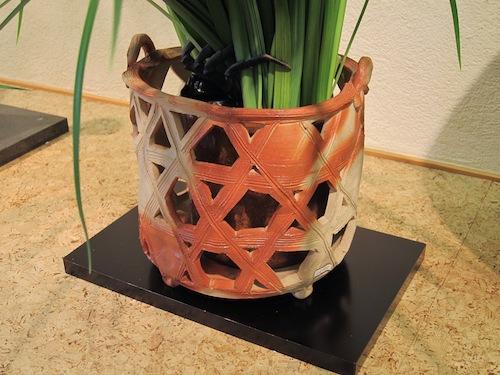 小西陶藏 作/透かし籠型花器 ¥120,000